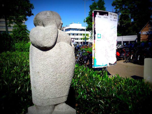 Standbeeld ons Moeder Kleine Berg Eindhoven