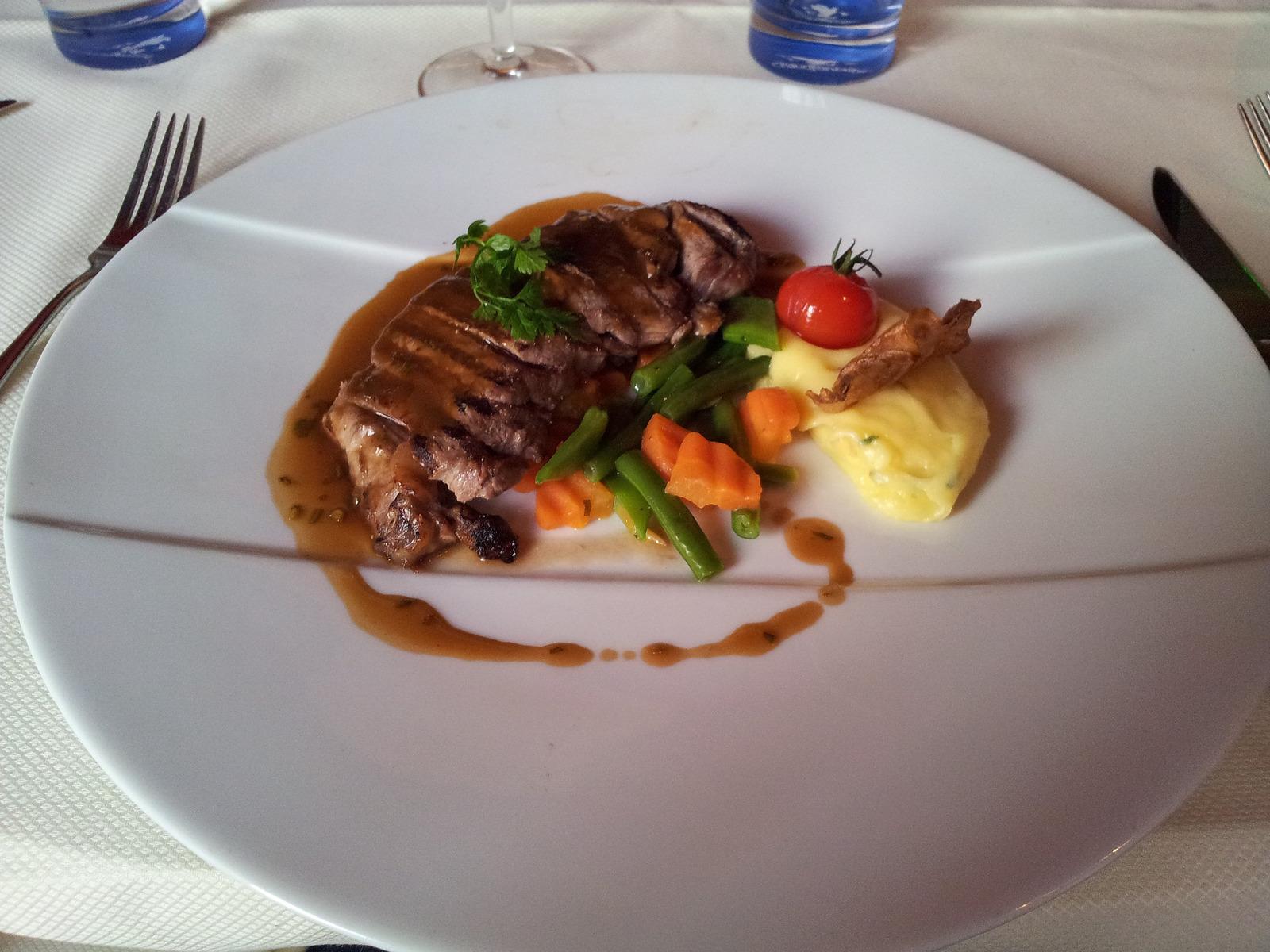 Diner opgemaakt bord