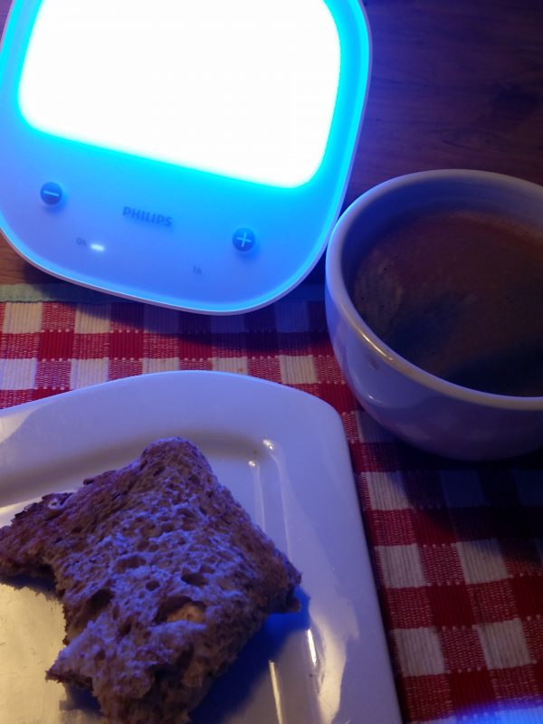 Philips EnergyUp Lamp bij ontbijt