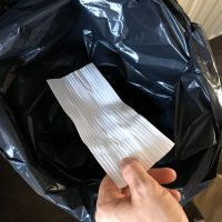 Strips bij vuilniszakken… Wie gebruikt ze?