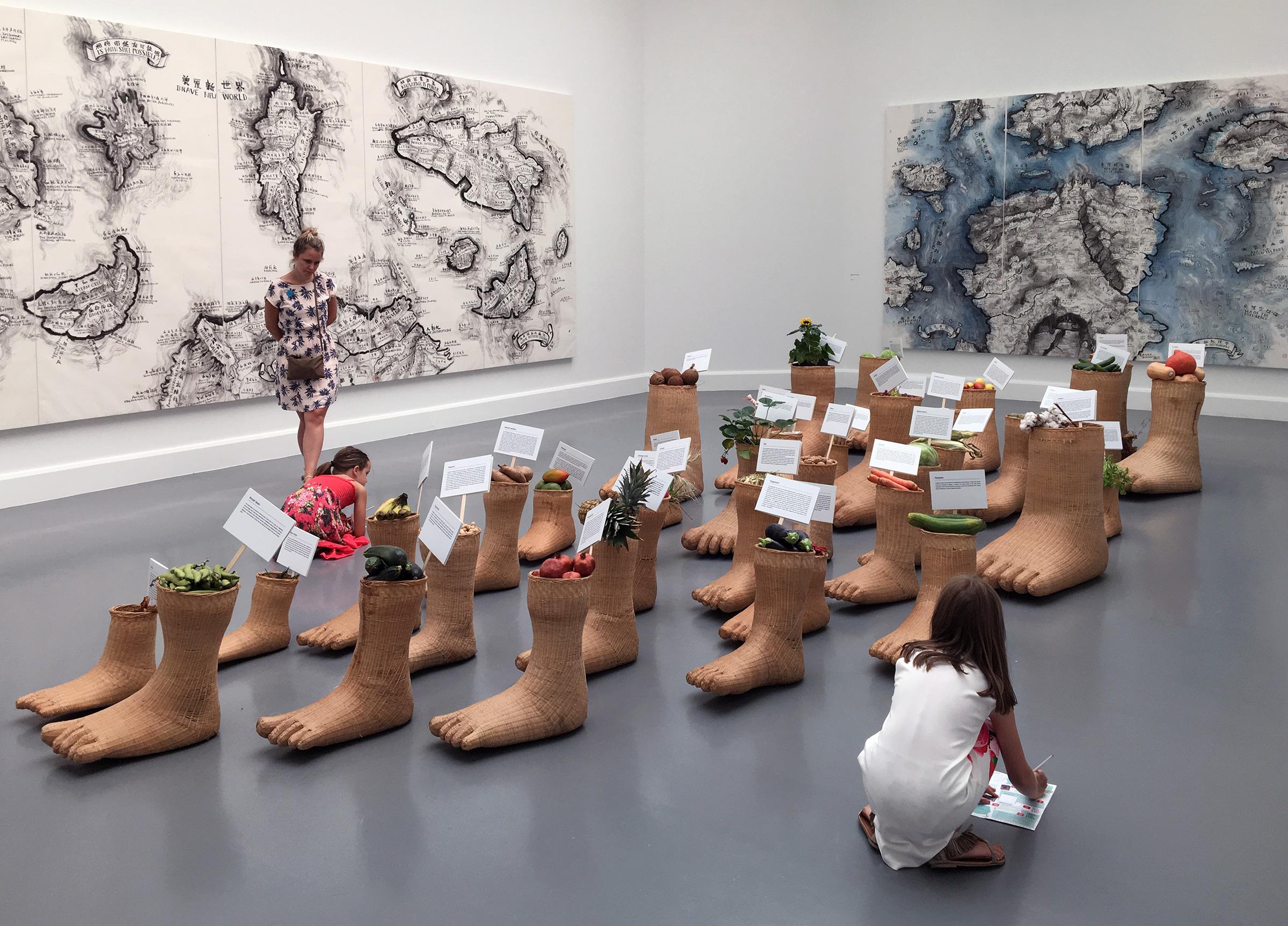Van Abbemuseum Eindhoven - Journeys without Arrivals - Groenten en fruit - voetafdruk