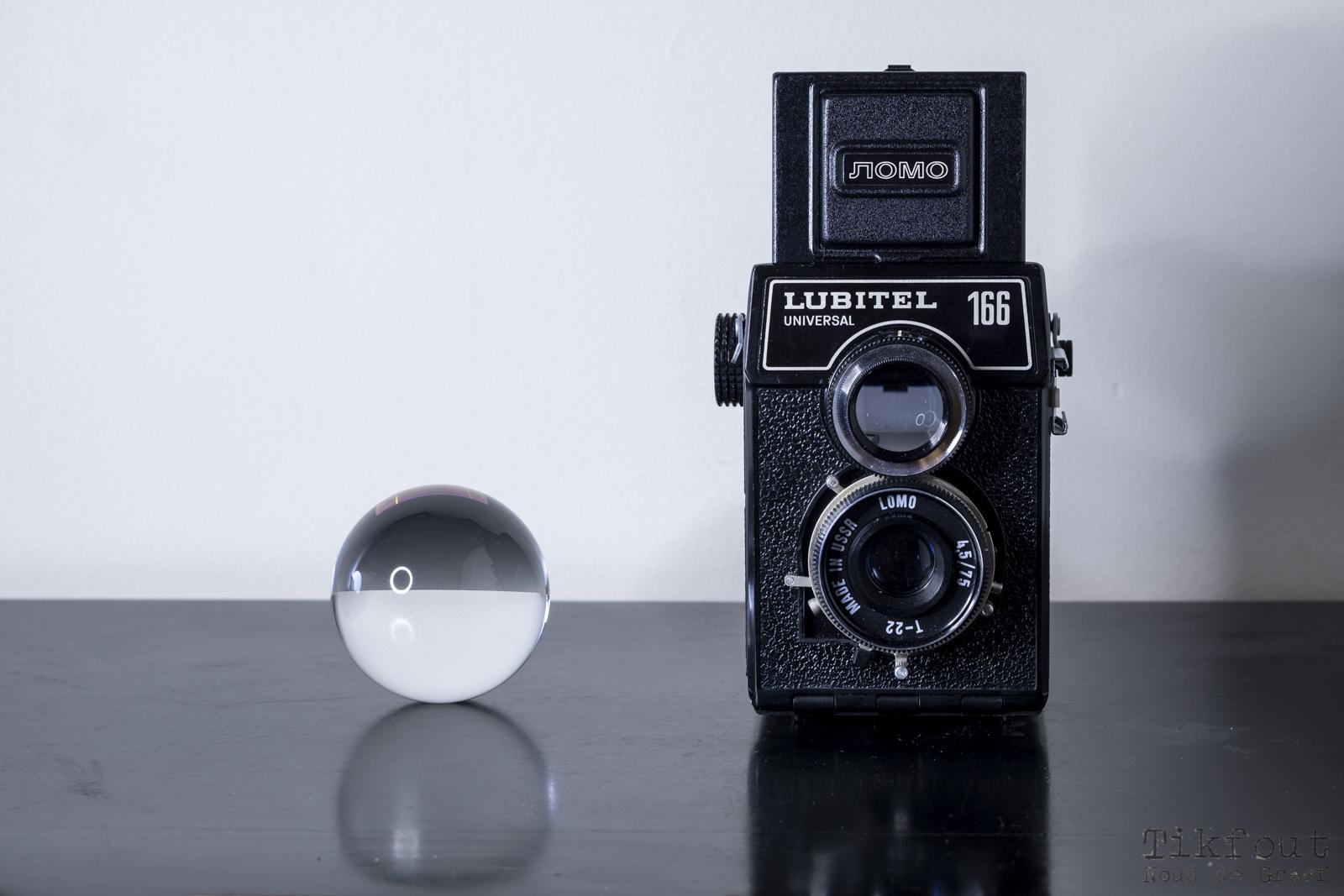 Stilleven - Lubitel en lensbal